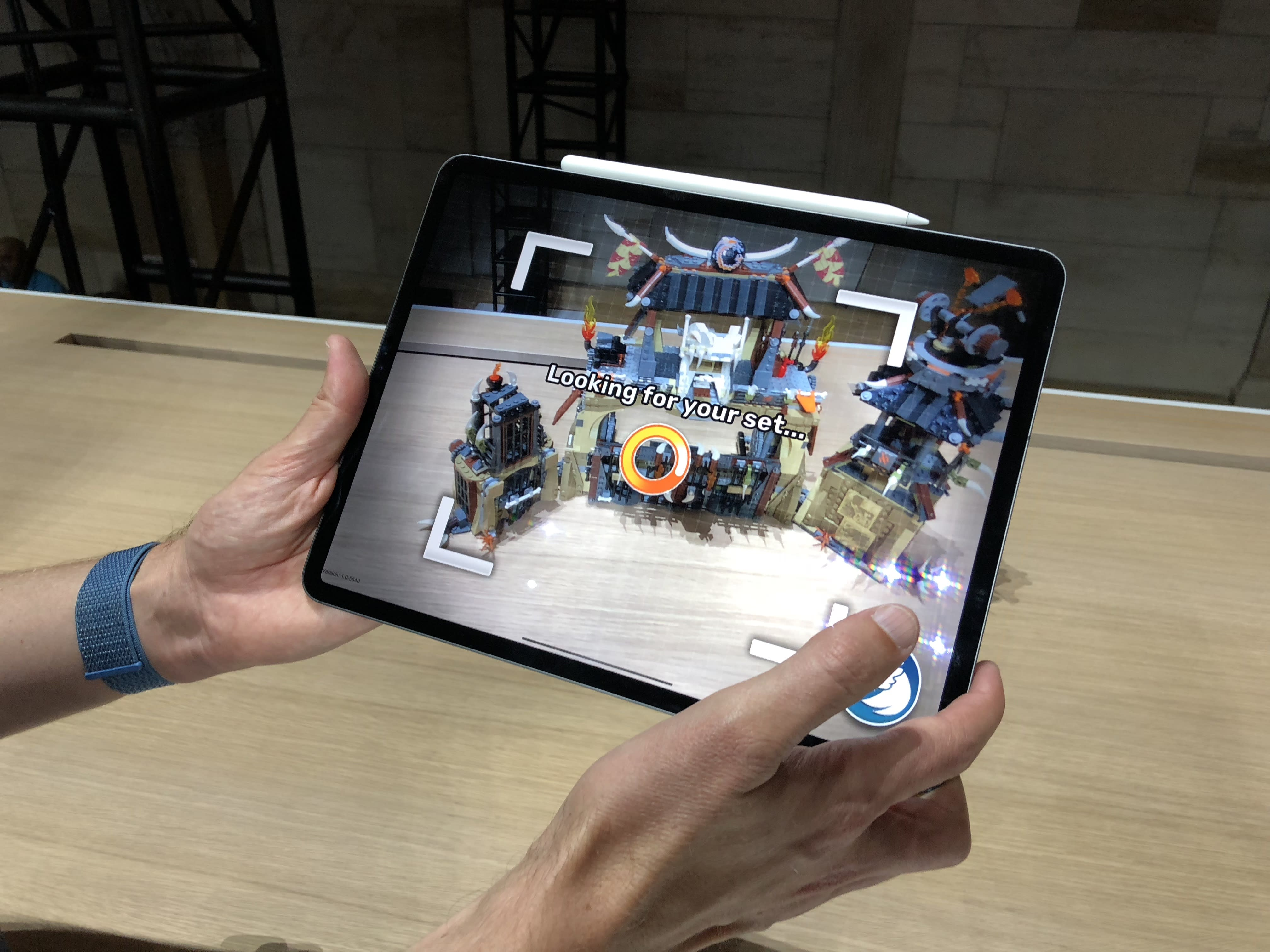 The new iPad Pro is almost as fast as one of Apple's $2,800 laptops — but it only costs $800 (AAPL, INTC)
