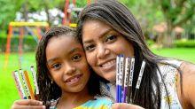 Mãe escreve mensagens de amor nos lápis de filha para reforçar valores