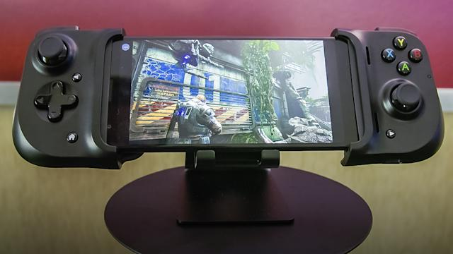 Razer's Kishi gamepad plugs into your phone for minimal latency