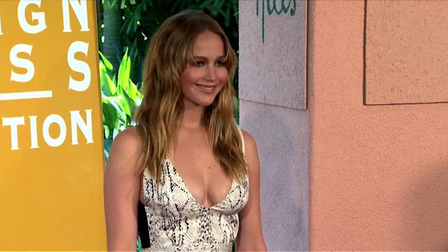 Jennifer Lawrence Gets Star-Struck When Meeting Fellow Oscar Winner