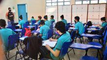 Manaus completa 1 mês de volta às aulas com 1,7 mil profissionais afastados por Covid