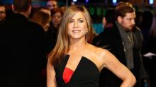 Jennifer Aniston Looks Beautiful in Black at the 'Horrible Bosses 2' London Premiere