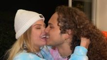 Namorado de Sonza, Vitão já tocou em bares, ensinou violão e se envolveu em 'romance de marketing' com Anitta