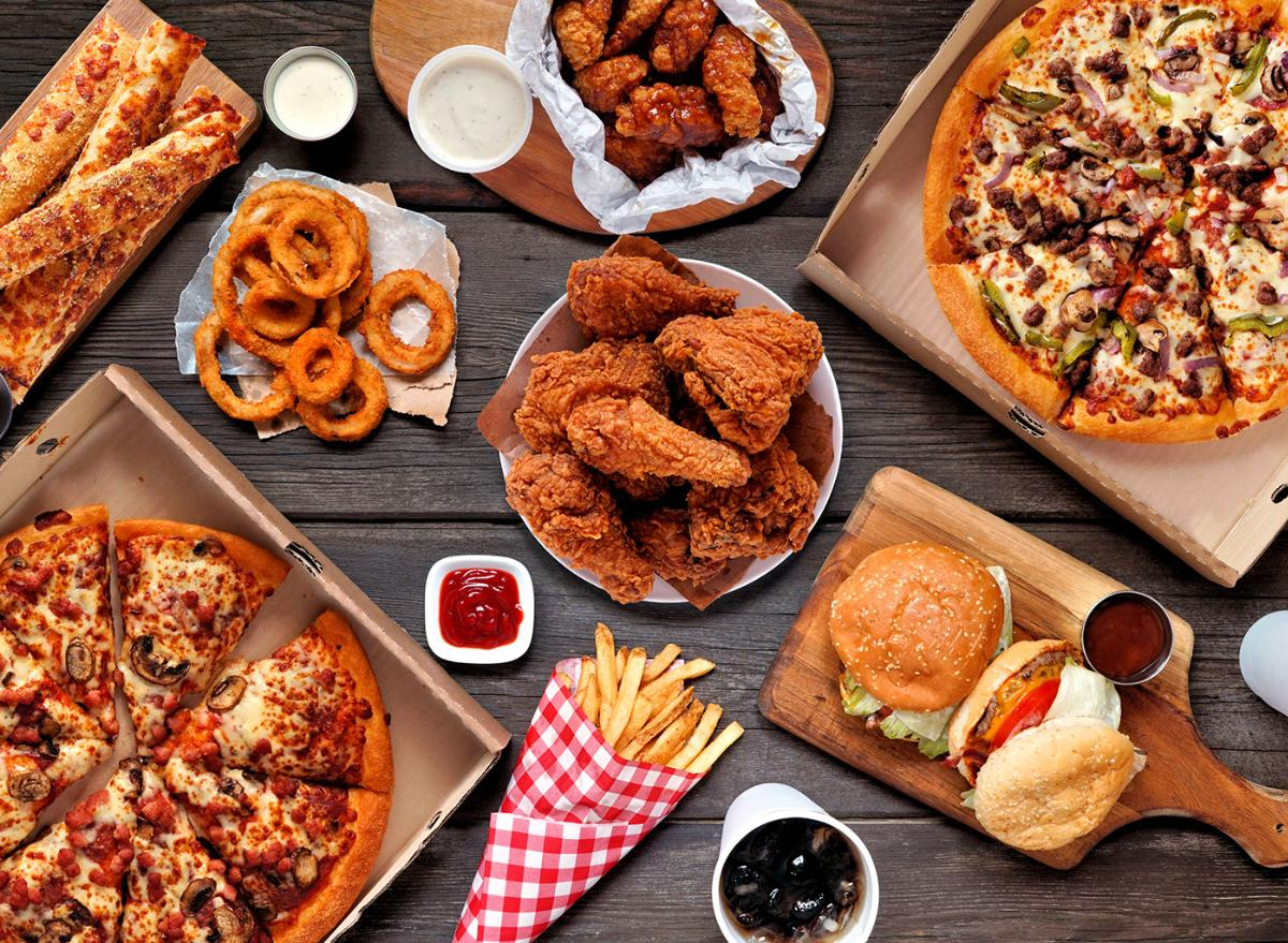 New Study Explains Why You Can't Stop Eating Unhealthy Foods