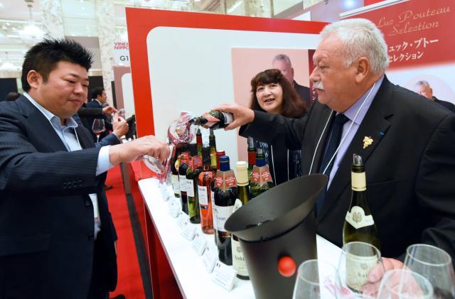 Amazon Japan has free on-call wine advisors