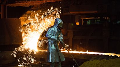 German manufacturing sinks deep into contraction
