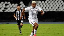 Em busca da melhor posição, Marcos Paulo aumenta dúvida para Odair no Fluminense