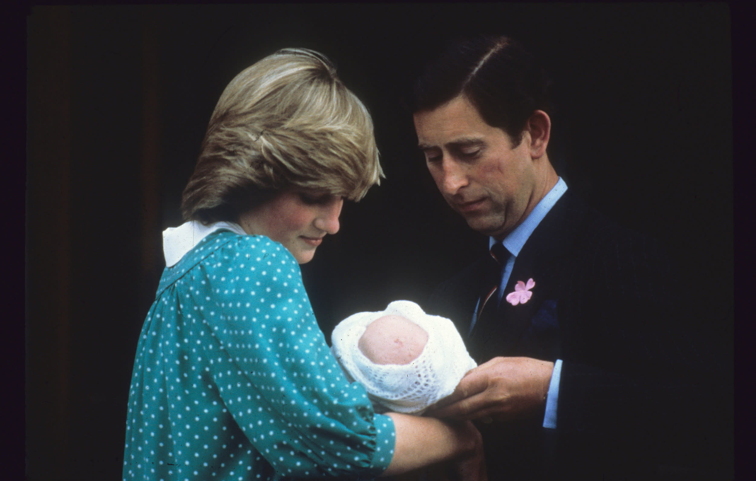 LONDON, UNITED KINGDOM - JULY 22:  Prince Charles, Prince of Wales and Diana, Princess of Wales leave the Lindo Wing St Mary's Hospital with baby Prince William on July 22, 1982 in London, England. (Photo by Anwar Hussein/Getty Images)