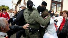 Dutzende Festnahmen bei Frauen-Protestzug gegen belarussischen Staatschef Lukaschenko