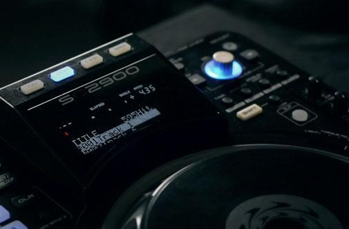 Denon teases new SC2900 DJ controller and media player, hopes to get heads spinning (video)
