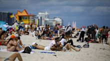Spring breakers flood beaches as experts fear COVID-19 spread: 'We are definitely not out of the woods'