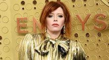 """Natasha Lyonne se convierte en la imagen viral de los Emmy por aplaudir """"a lo Nicole Kidman"""""""