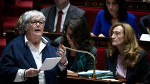 """Asile: l'Assemblée vote l'extension de la """"réunification familiale"""" pour les mineurs"""