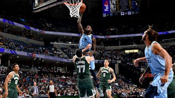 Massive dunk makes up for Grizzlies blunder