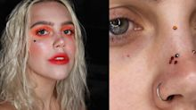 Pra brilhar! Jovem transforma acne em pedras preciosas em ensaio