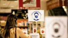 Boycott de magasins, lobbying auprès des élus, appels à la désobéissance... Sur les réseaux sociaux les anti-masques se mobilisent