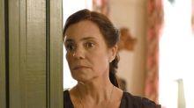 'Amor de Mãe': Thelma suborna enfermeiro para esconder Domênico de Lurdes
