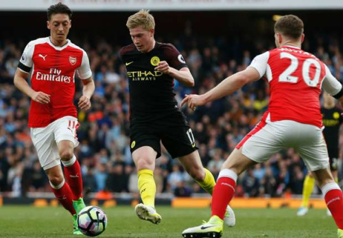 Arsenal-Manchester City 2-1, Alexis qualifie les Gunners