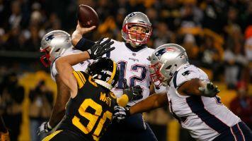 Brady's rare mistake helps Steelers beat Pats