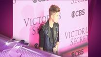 Entertainment News Pop: Justin Bieber Monkeys Around In Florida & Delays Private Jet For 8 Hours Due To Missing Pet?!