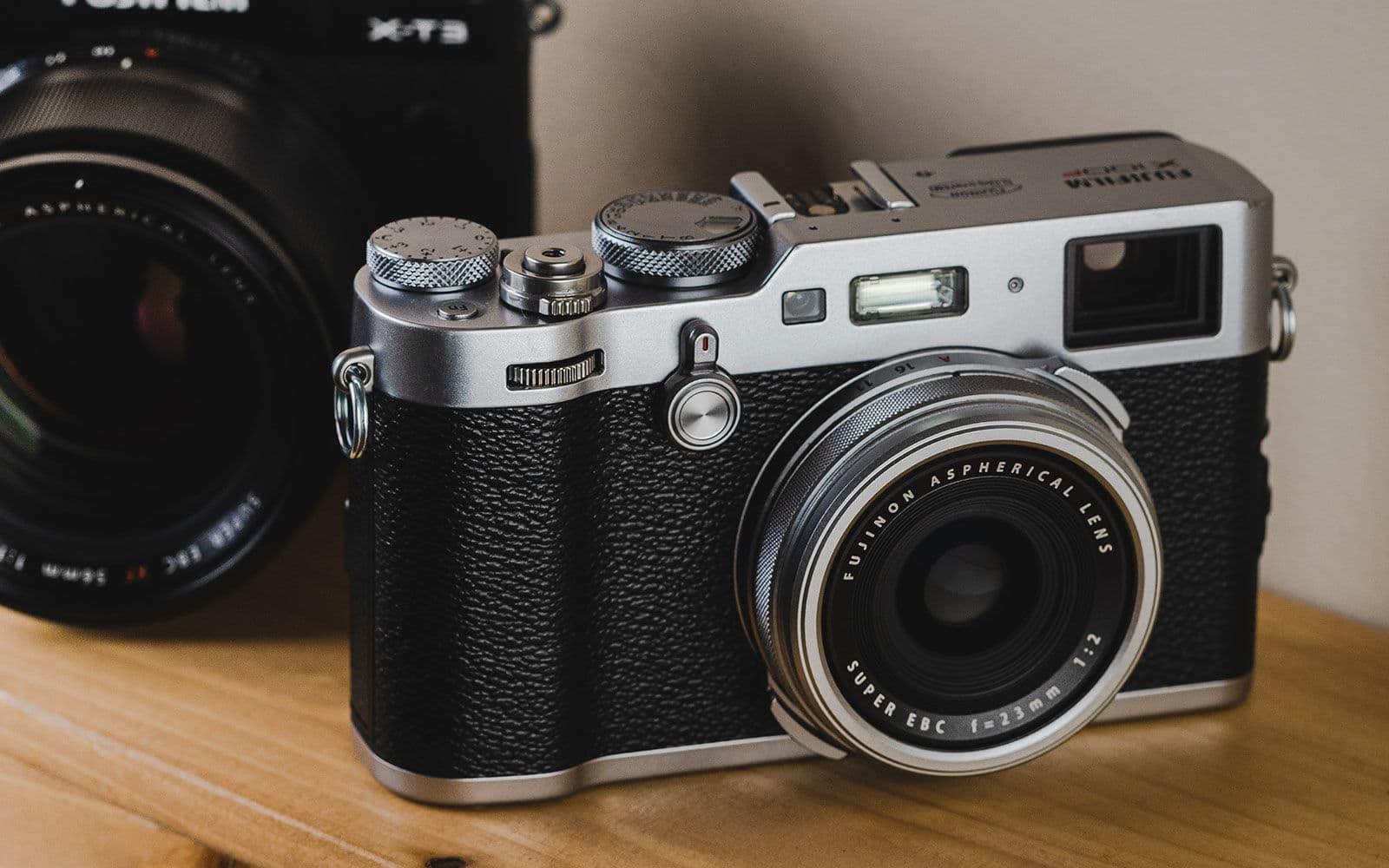 Fujifilm X100F compact camera for street photos