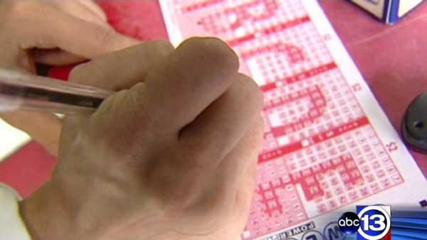 Record Powerball jackpot hits $500 million