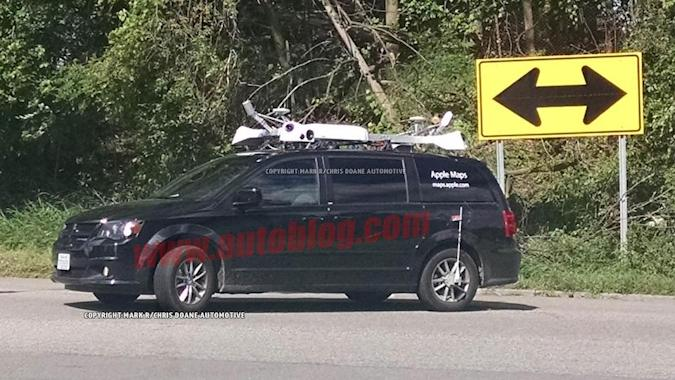 Apple Maps minivan spotted in the wild