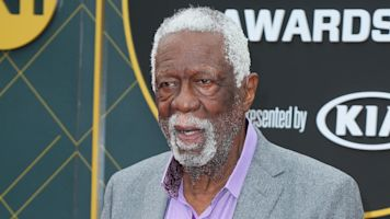 44 years later, Bill Russell accepts HOF ring