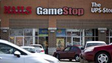GameStop Tumbles After Forecast Falls Short of Predictions