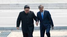 Kim e Moon mantêm reunião história entre Coreias