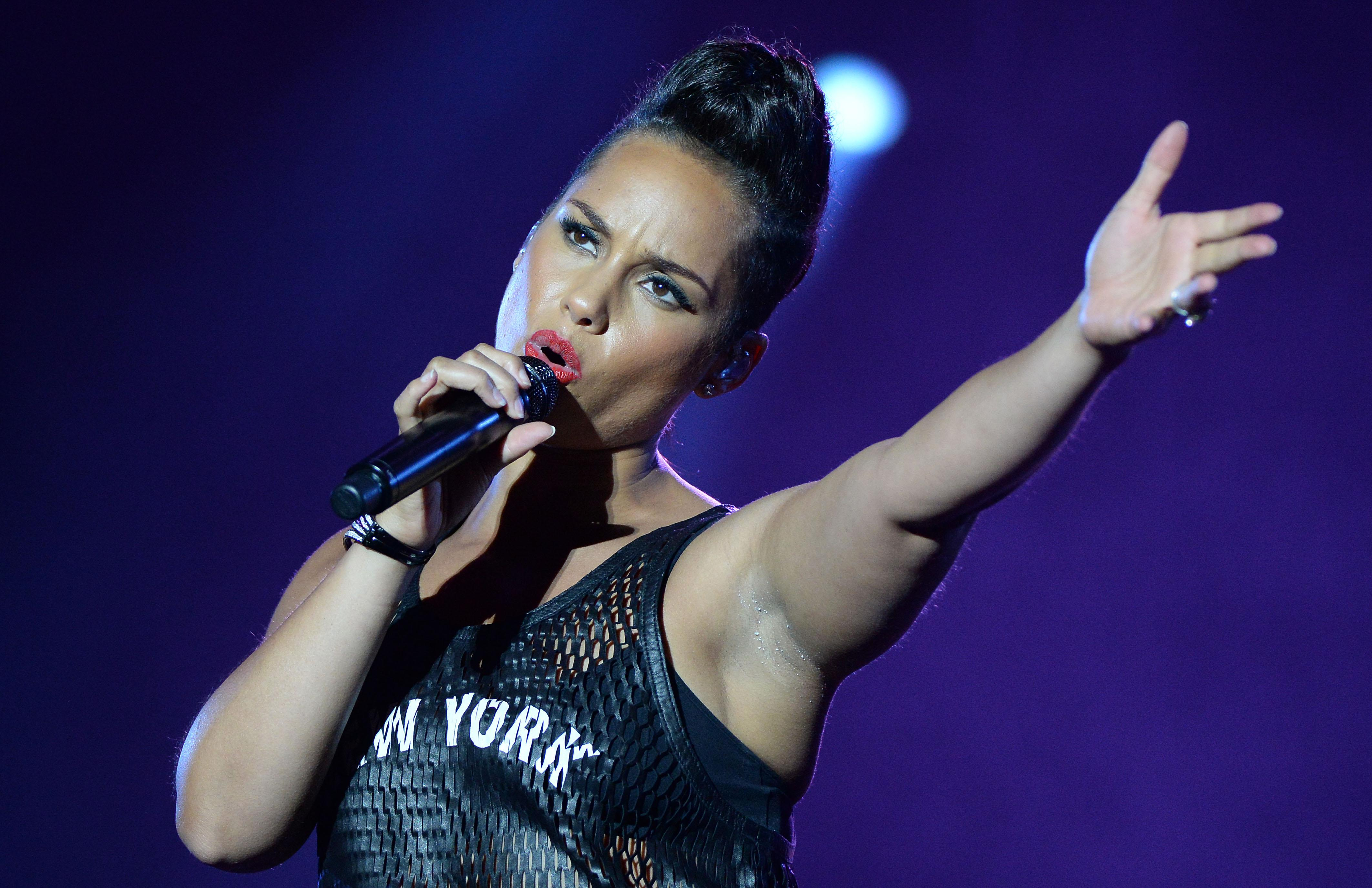 Alicia Keys to unleash new music at UEFA Cup performance Alicia Keys Girl On Fire