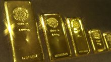 Gold scores daily and weekly gain, but fails to breach $1,300