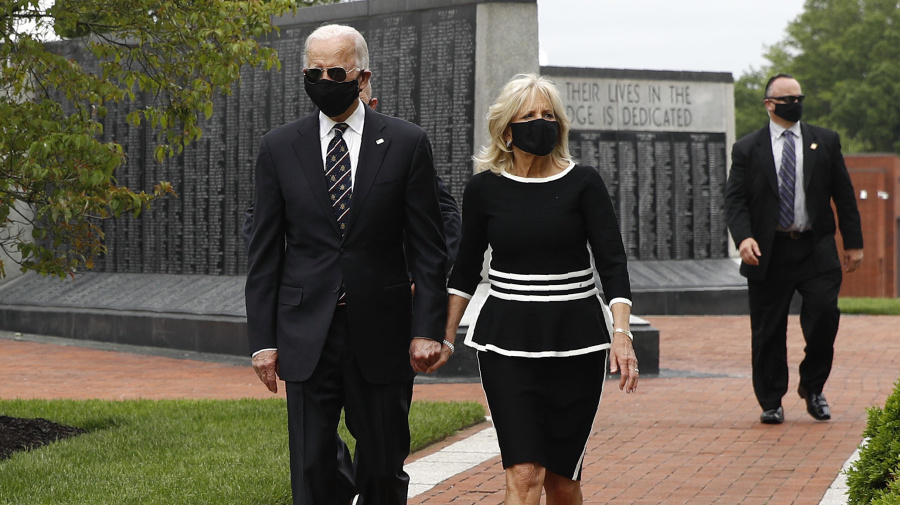 Biden makes 1st in-person appearance after 2 months