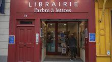 """Confinement : entre désarroi et résistance, les libraires dénoncent """"l'injustice"""" de leur fermeture"""