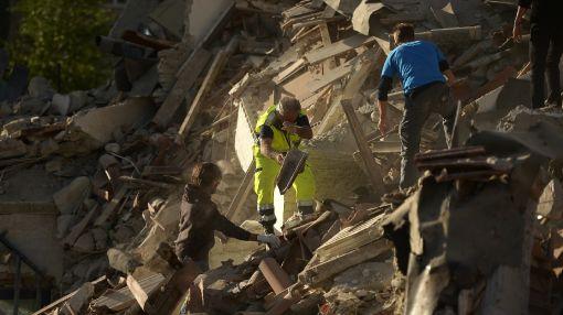 Italy struck by killer quake