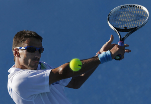 Robredo, Kavcic advance on red clay in Morocco