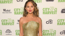 Chrissy Teigen had the best response to narrowly avoiding a wardrobe malfunction