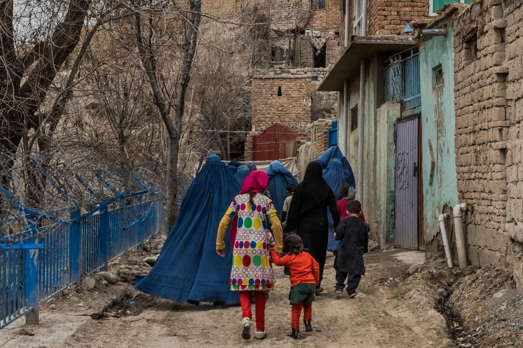 """Kabul's """"Zanabad"""", or the city of women, has became a haven for destitute and desperate women who had lost their husbands. (AFP Photo/Rebecca CONWAY)"""