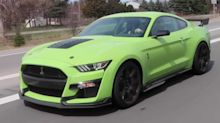 Colourful Ford Mustang Shelby GT500s spied in traffic
