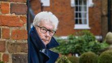 """Ken Follett nous raconte ses dimanches on ne peut plus british : """"Ça commence par du thé..."""""""