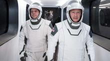 Lanzamiento de la NASA y SpaceX: cómo son los nuevos trajes inspirados en superhéroes que utilizan los astronautas de la nave Crew Dragon