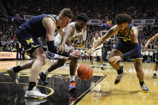 Michigan extends winning streak with rare victory at Purdue