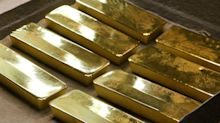 Gold Buyers Retreat as Prices Convulse in Cash-Haven Tug of War
