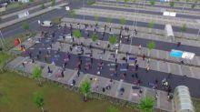Hunderte Muslime beten auf Ikea-Parkplatz in Wetzlar