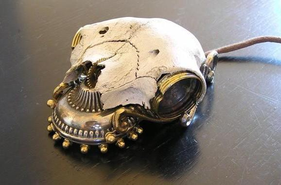 Steampunk mouse, now with 100 percent more skull