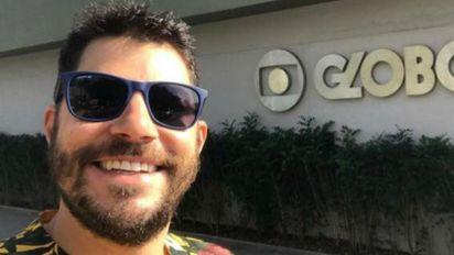 'Mãe, tô na Globo': Evaristo Costa visita antiga emissora