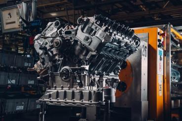 Bentley完成第一具交付給Bacalar客戶W12引擎的組裝與測試