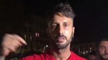 Corona regala magliette in strada: arrivano i Carabinieri