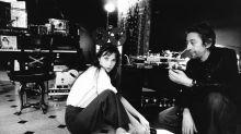 """Jane Birkin dépeint Gainsbourg, ses folies, son """"ivrognerie"""", ses odeurs, dans Munkey Diaries"""