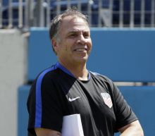 Bruce Arena blends intense demands with humor to lead US